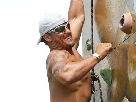 carlos-rock-climbing-shirtless-mmm.jpg